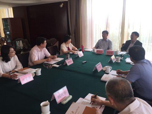 2当代中国马克思主义政治经济学研讨会暨《探求政治经济学之路》首发式隆重召开